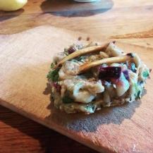 Cukkinifasírt padlizsánkrémmel és grillezett gombával